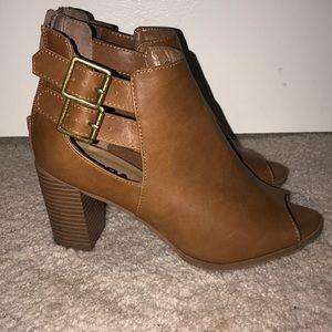 Francesca's Size 7 Block Heel Shoes